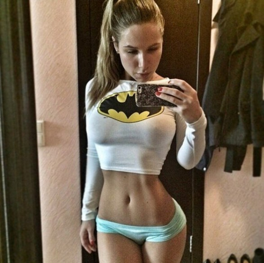 Brunette ready to workout sexy mirrored selfie
