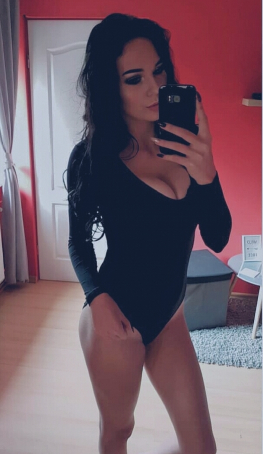 Cute busty big ass babe masturbates 10