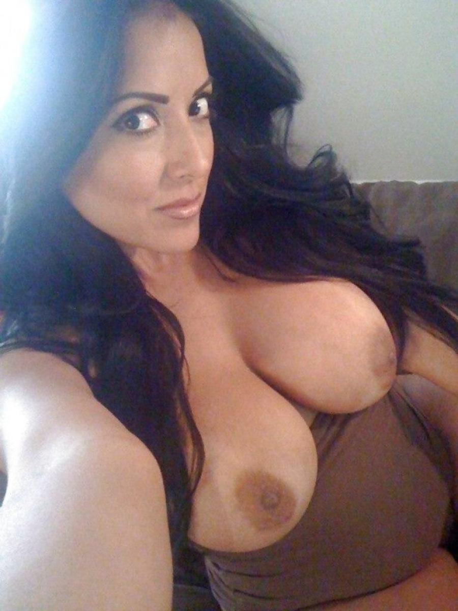 Hot sexy milf with very big tits topless