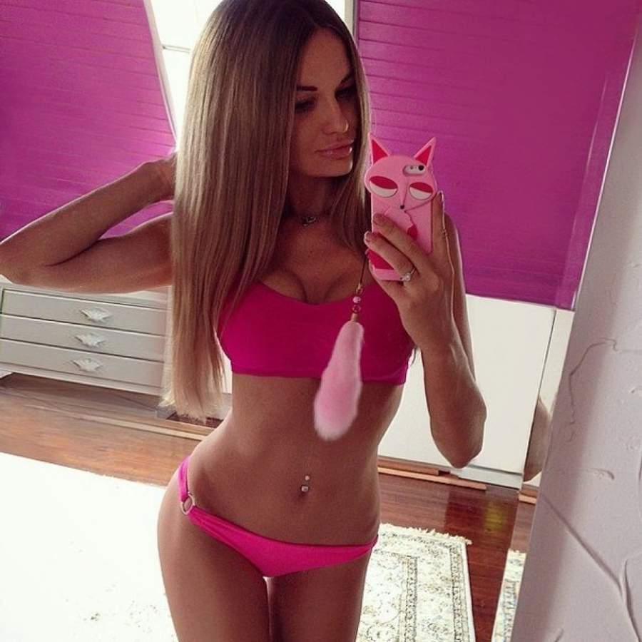 Hot blond babe nurse toys herself with big dildo 3